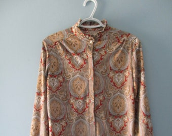 Vintage Paisley High Collar Ruffle Blouse /Vintage polyester blouse / Ladies Size Small