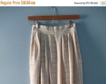ON SALE 1980's Pretty Pastel Midi Skirt / Pleated skirt with floral ribbon print/ Hight waisted skirt / Size XS to small