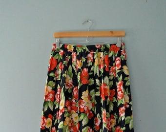 ON SALE Women's vintage floral print midi skirt /accordion pleated skirt / watercolour floral print / Medium to size 12