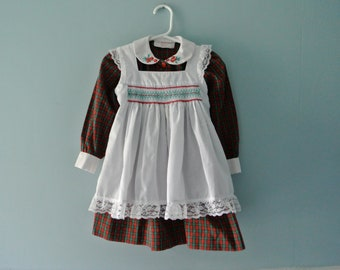 Vintage red and green plaid apron dress / smocked pinafore dress / Handmade dress / Toddler baby girl Size 2T