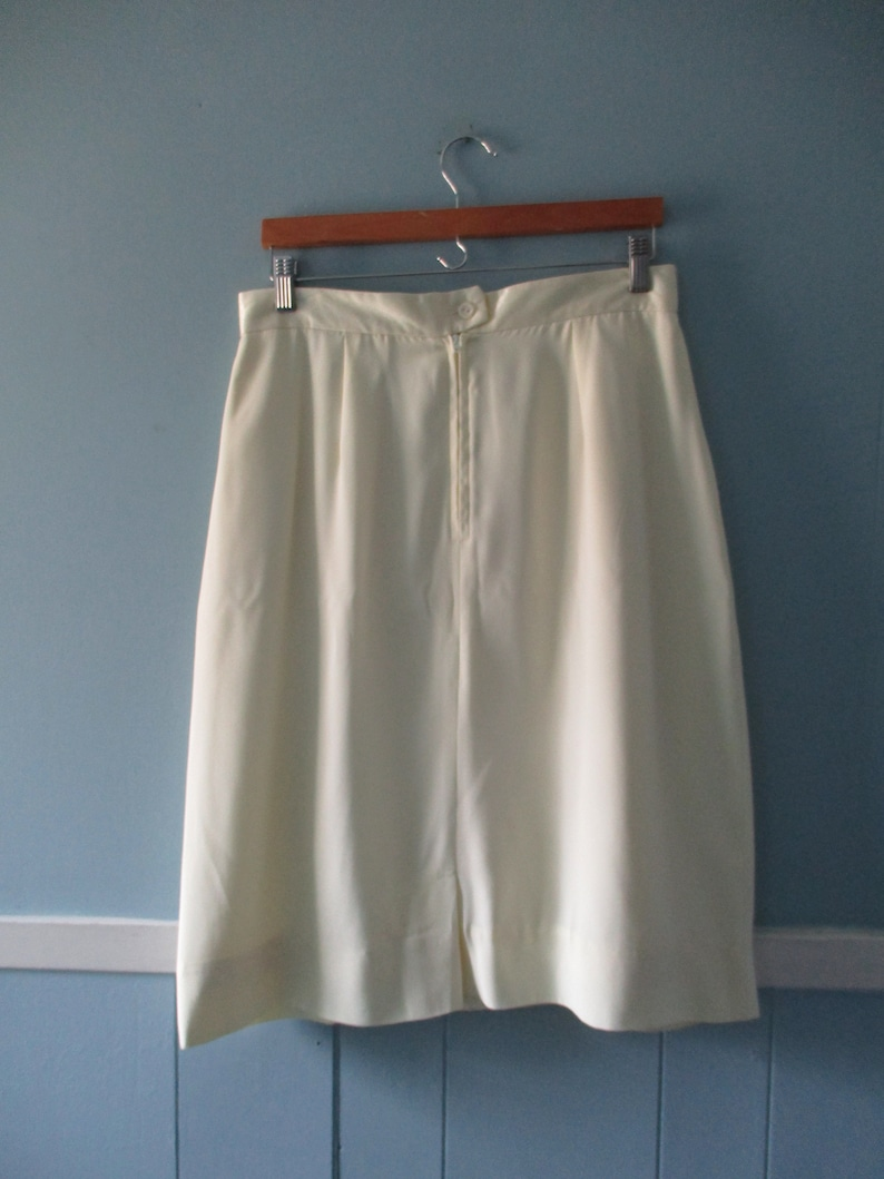 Vintage Allure Canada butter cream pencil skirt with pockets  Union made vintage midi skirt  size large 1516