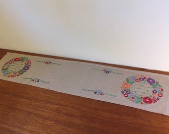 "Tan w Floral Wreath Vintage 45"" Mid Century Hand Embroidered Dresser Scarf / Table Runner"
