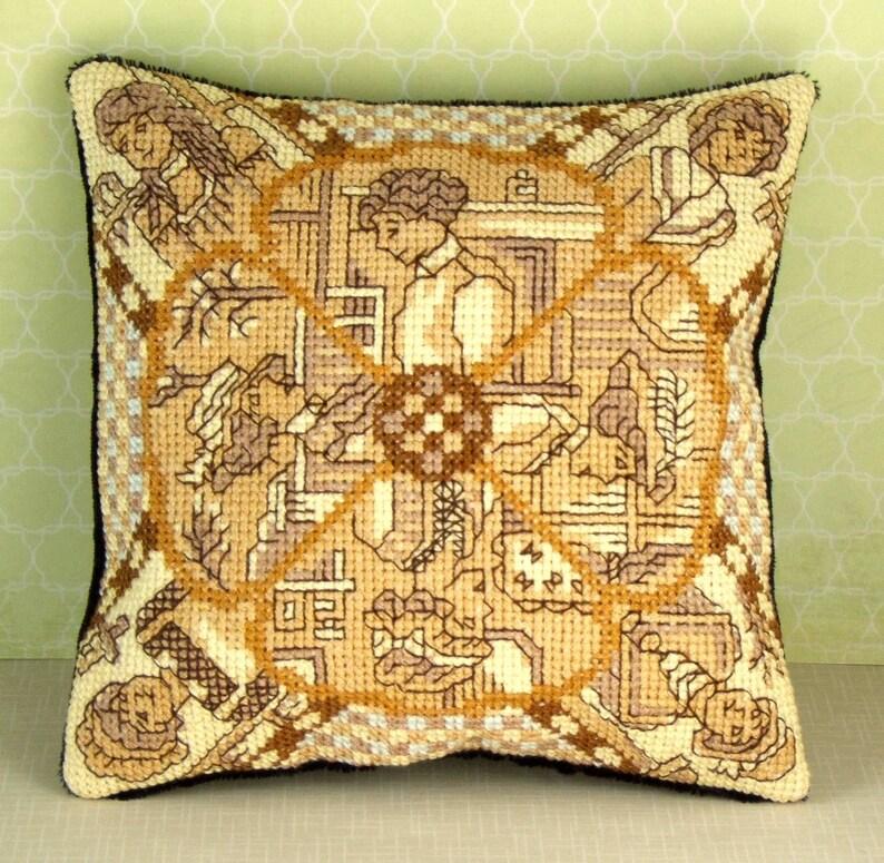 Vintage Ladies Mini Cushion Cross Stitch Kit