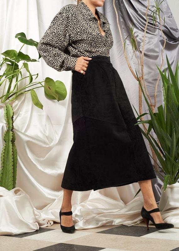 1980s // Black Suede A Line Midi Skirt// M