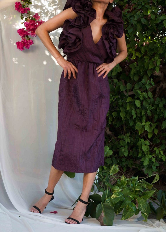 1980s// BB Collections Crinkled Eggplant Ruffle Sh