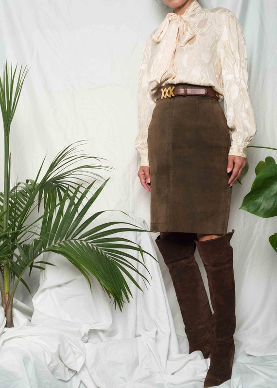 1990s // Brown Suede Pencil Skirt// M