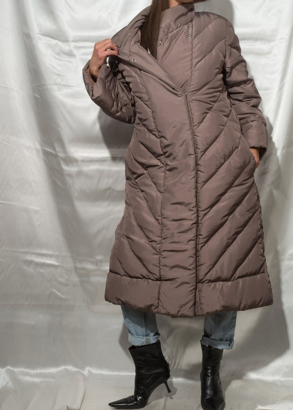 1980s// BILL BLASS// Rare Vintage Quilted Down Wi… - image 3