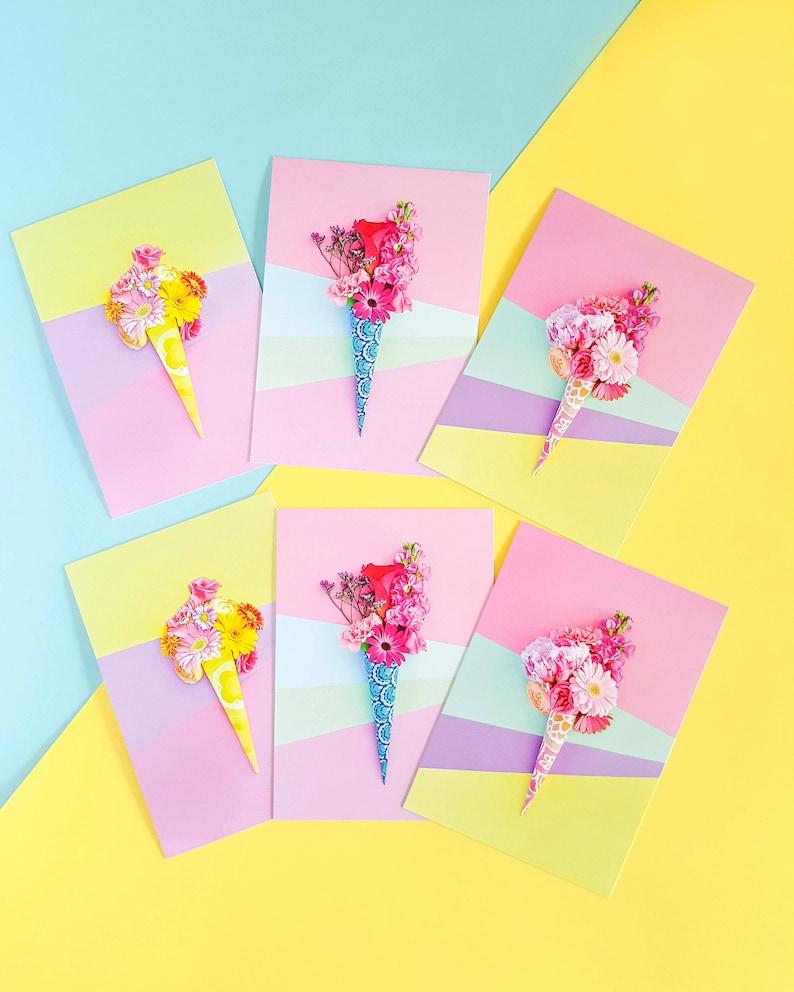 Set vrolijke foto kaarten met gestylde bloemen image 0