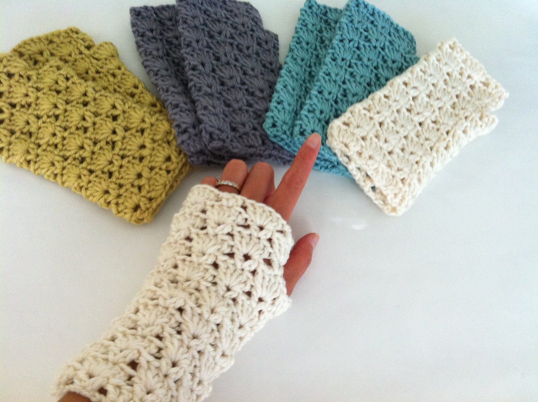 Guantes sin dedos conchas de ganchillo ganchillo muñeca | Etsy