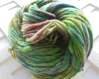 ARWEN Thick and Thin Handspun Yarn, Worsted-Weight Yarn, Worsted Handspun, Merino Yarn, Soft Artisan Yarn, Art Yarn, Knitting Yarn, Weaving