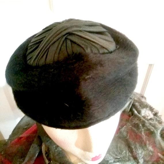 1960's Schiaparelli Hat