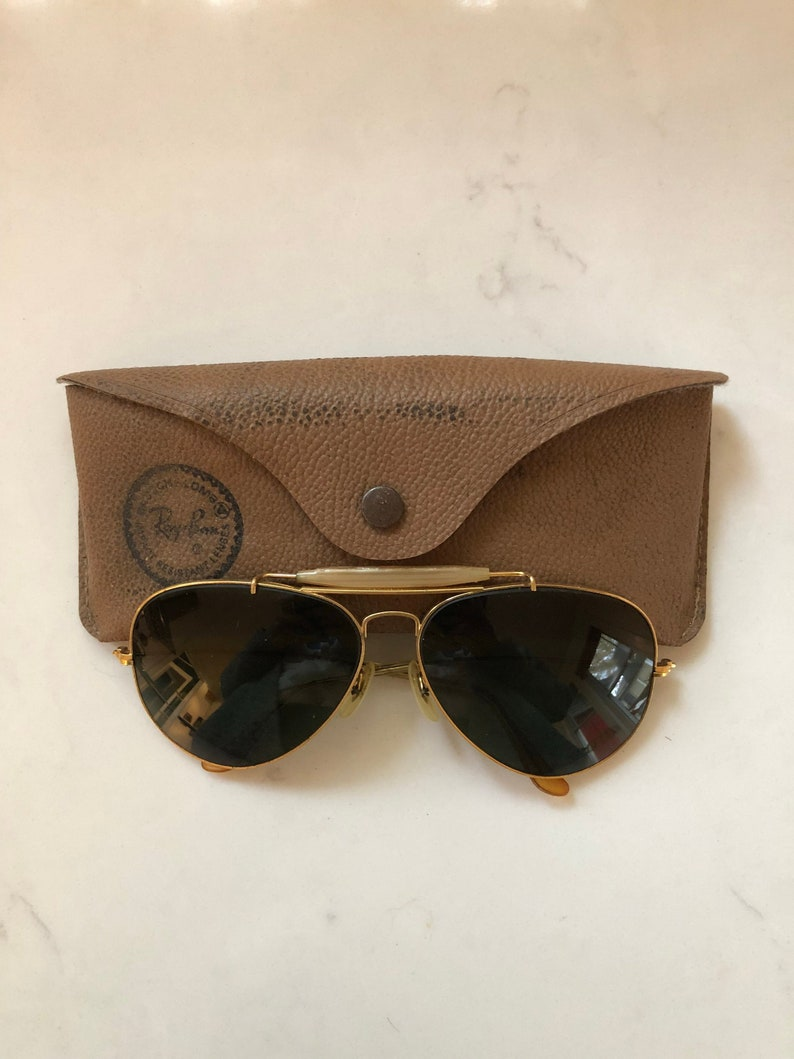 1f767d7ac49a3 Vintage Ray Ban Aviator Sunglasses with Case. Bausch and Lomb