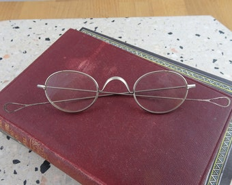 3f0ff47e8a9 Antique Oval Spectacles