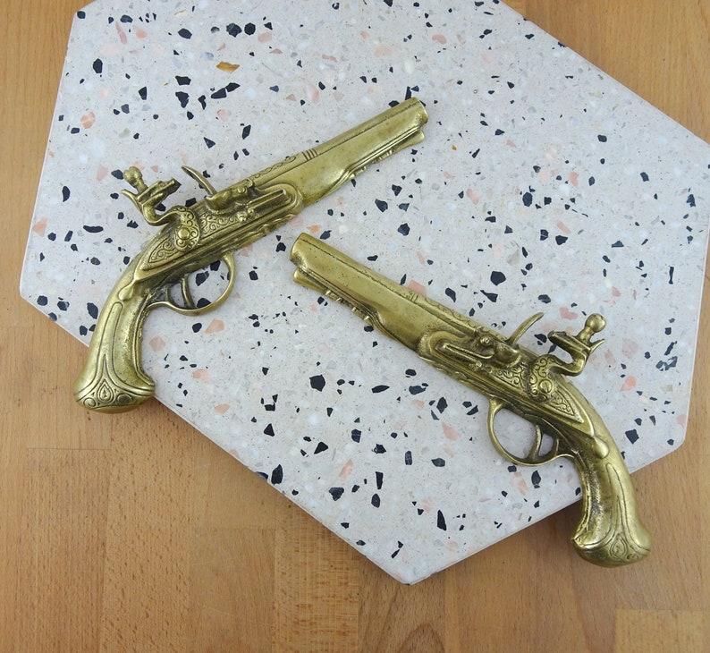 Vintage Brass Guns,Replica Flintlock Pistols, Vintage Brass Wall Hanging  Decor