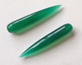 Green Onyx Smooth Long Spike Fang Icicle Drops 6x35 mm One pair F3996