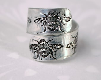 Bypass ring, bee ring, bee twister ring, silver aluminium bumble bee jewellery, bee jewellery, embossed adjustable ring