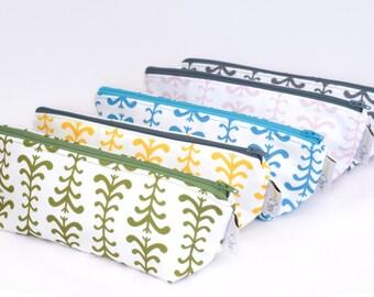Triangle Zipper Pouch - Vine Print