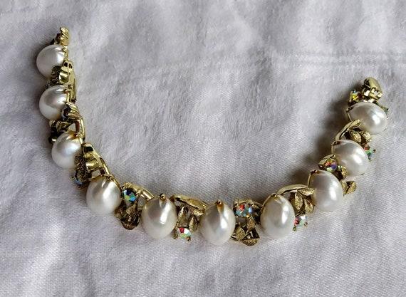1950/'s LISNER signed vintage bracelet leaf design