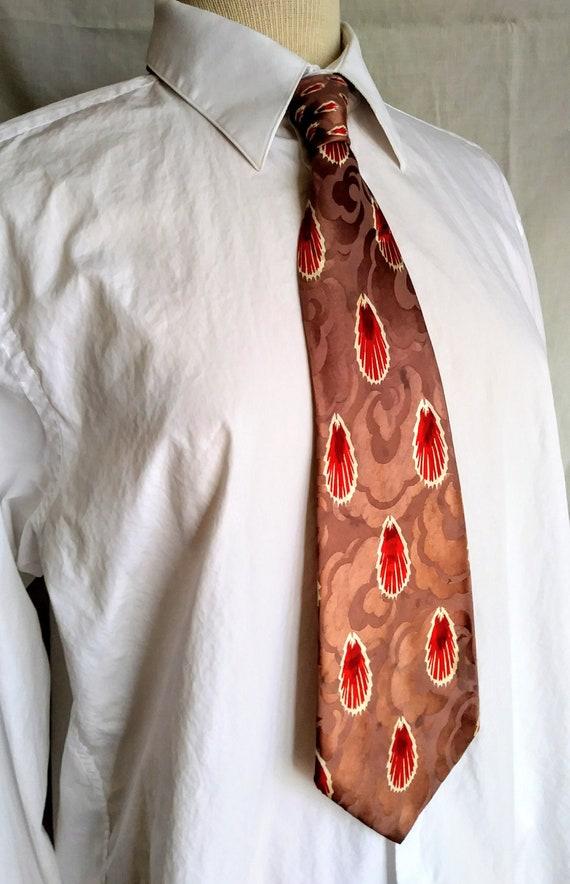Vintage NECKTIE 1940s red feather Scallop SHELL de