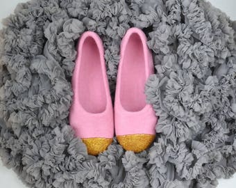 Pink felt slippers for women Felted ballet flats - Felted slippers with gold glitter decoration Hand dyed organic wool slippers Gift for her