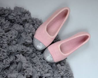 Pink felt slippers for girl Felted ballet flats Silver glitter House shoes for girl Dusty pink slippers made from eco wool Birthday gift