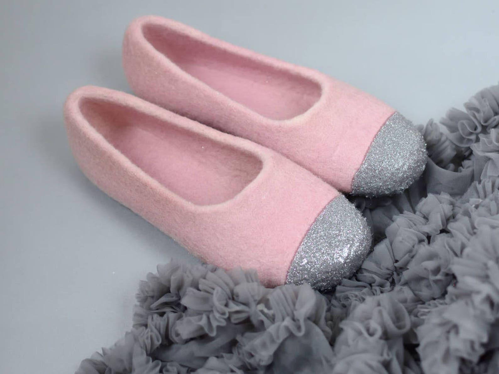 pink felt slippers for girl felted ballet flats silver glitter house shoes for girl dusty pink slippers made from eco wool birth