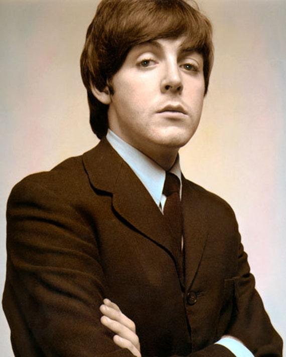 White Portrait-Black-Men-Medium-Ships Jet Blue-New Jumper John Lennon