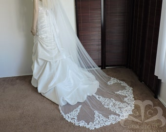 Maggi Lace Edge Bridal Veil Ivory Chapel Length