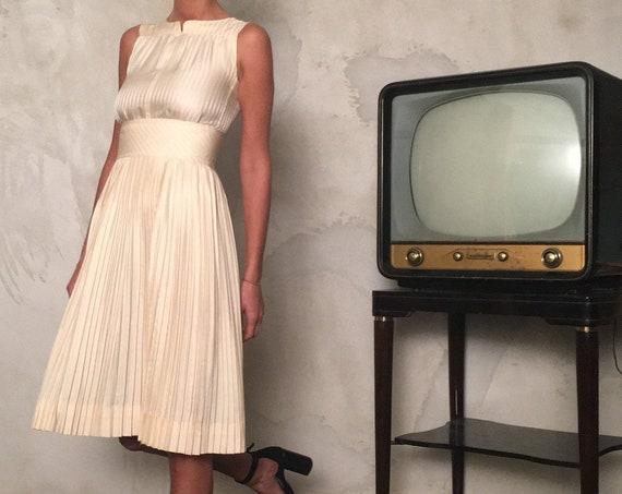 EMANUEL UNGARO Parallèle Paris rare Label Vintage 1960s Dess - Iconic Vintage Emanuel Ungaro Dress from 60s