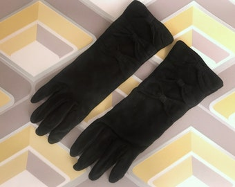 Yves Saint Laurent Woman Vintage Gloves in Stretch leather - Black Gloves For Her Vintage Yves Saint Laurent