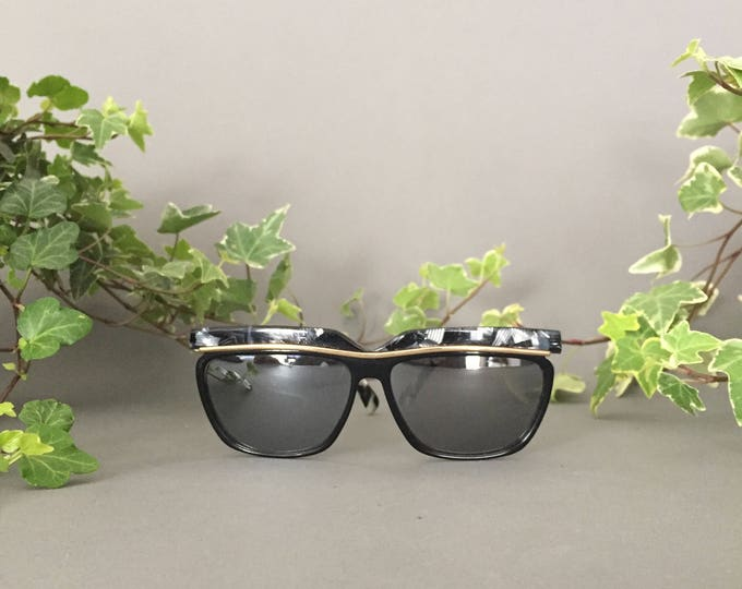 90's Sunglasses Vintage with Mirrored Lens