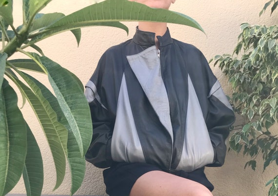 Vintage leather bomber jacket / 80s Vintage leathe
