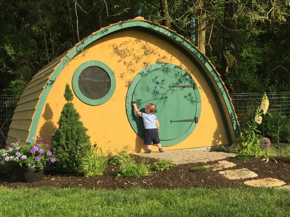 Hobbit Hole House | AMAZING Outdoor Playhouses For Kids