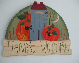 Saltbox house with pumpkins wall hanging, Fall wall hanging, fall door hanging, tole painted, gift for her, hostess gift, fall scene hanging