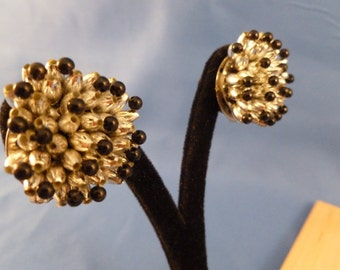 Black and White beaded clip earrings. (C103)