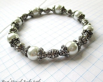 DIY Bracelet Kit. White Pearls and Silver Metal Beads and Caps. Jewelry Making Kit. Do It Yourself Beaded Bracelet. Jewelry Maker Gift