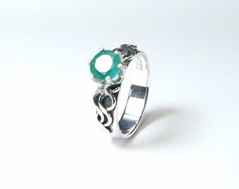 5mm x 0.62 Carat Emerald Ring Round Cut Natural Transparent Emerald Handmade Sterling Silver /'Indie/' Ring