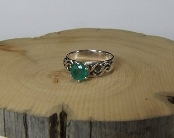 Emerald (6.5mm Translucent Genuine Emerald), 1.33 Carat Round Cut, Sterling Silver 'Indie' Style Ring