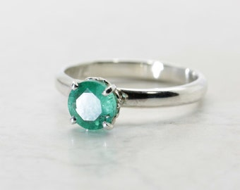 African Emerald (Transparent, Genuine Emerald), 5.75mm x 0.70 Carat, Round Cut, Sterling Silver Ring