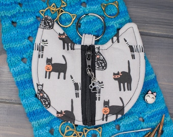 Cat Knitting Notions Bag   Tools for Knitters   Cats in Halloween Costumes
