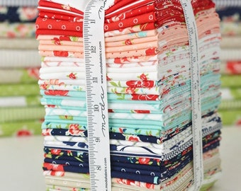 PREORDER Fat Quarter Bundle of Smitten by Bonnie and Camille from Moda -