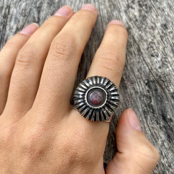 Vintage silver ring, ruby ring, hindu ring - image 3