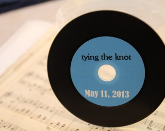 Vinyl styled blank CDs with custom labels - Sample