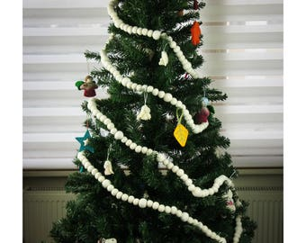 Horizontal vinyl cloth christmas tree garland party room