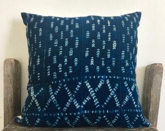 Border Print Vintage Tye Dye Indigo pillow,African Indigo Mud Cloth Pillow,African Ethnic Mudcloth textile,Hand dye,18x18,Blue Indigo