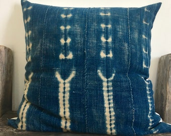 Vintage Tye Dye Indigo pillow,African Geometric Indigo Mud Cloth Pillow,African Ethnic Mudcloth textile,Hand dye,18x18,African Blue Indigo