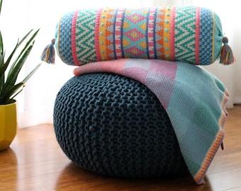 US Terms- Vivo: Tapestry Crochet Cushion pattern