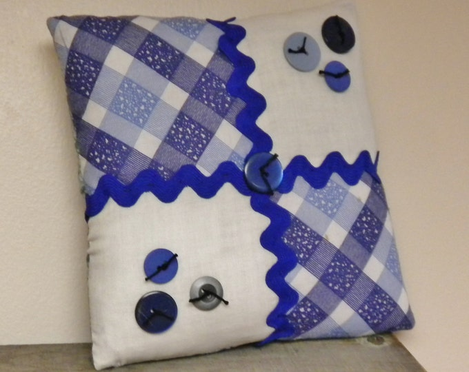 Quilt Block Pillow with Buttons   Primitive Mini Pillows   Accent Pillows