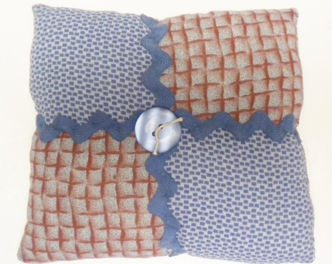 Vintage Quilt Block Accent Pillow   Primitive Mini Pillows   Throw Pillows