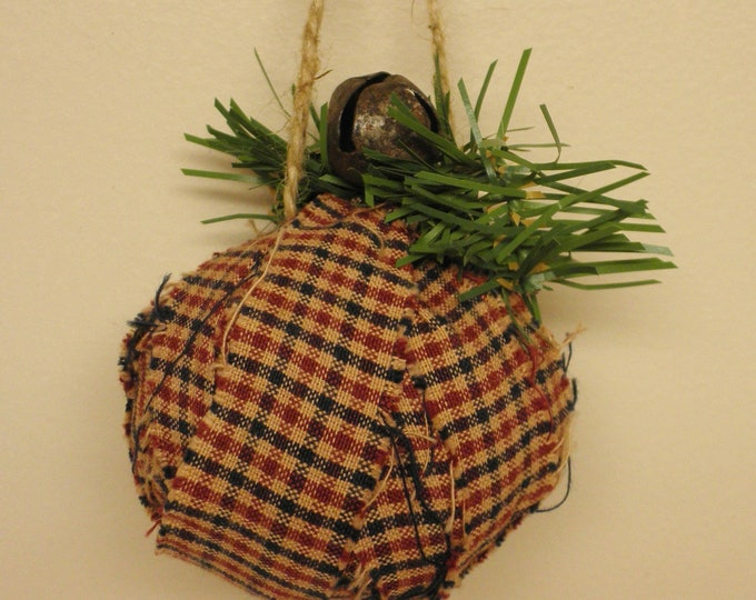 Primitive Rag Ball Ornament | Christmas Tree Ornaments | Country Farmhouse Handmade Rag Balls